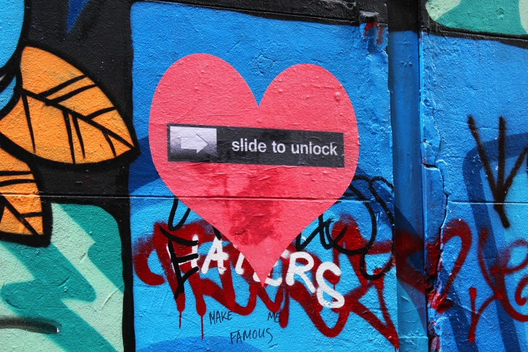 SlideToUnlock